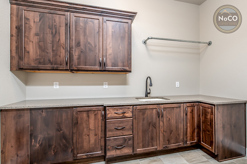 colorado custom home laundry room sink
