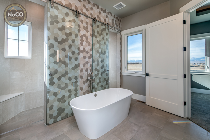 colorado custom home bathroom bathtub