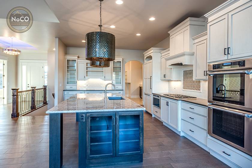 colorado custom home kitchen