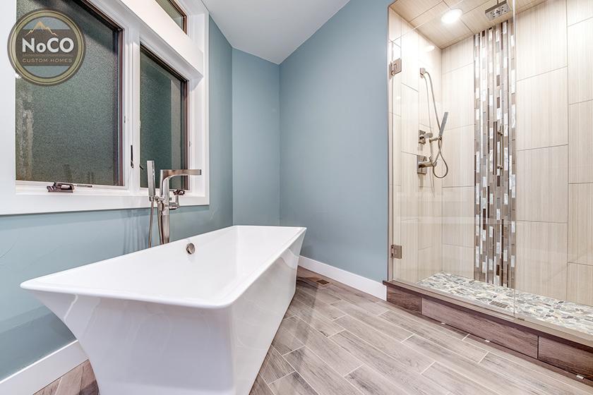 colorado custom home bathroom bathtub