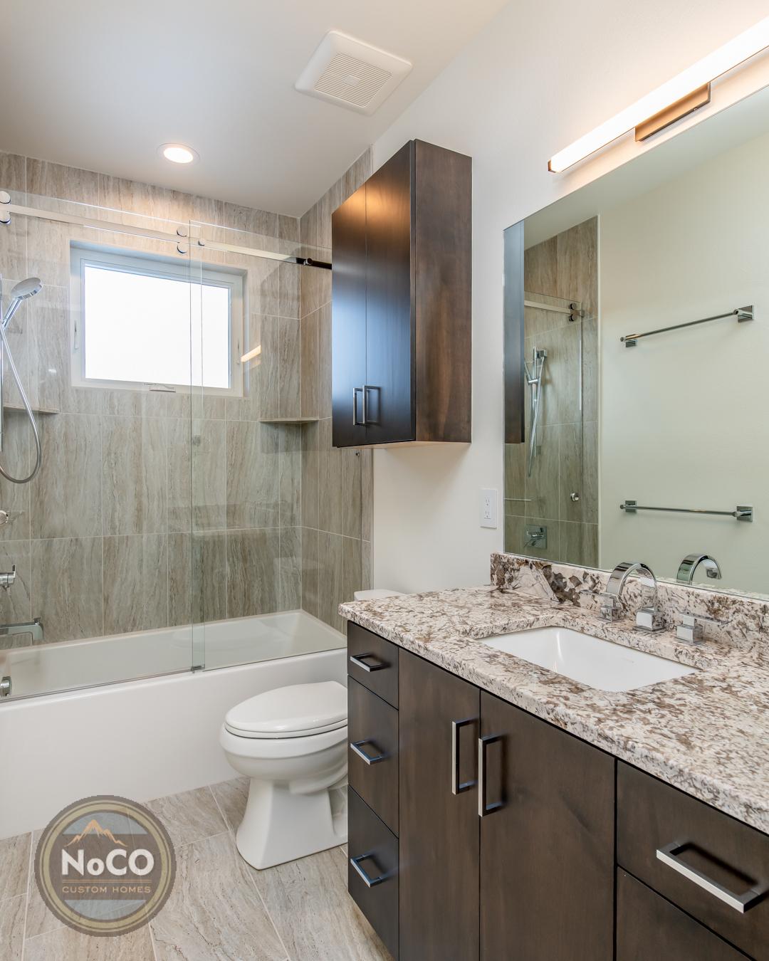 colorado custom home bathroom