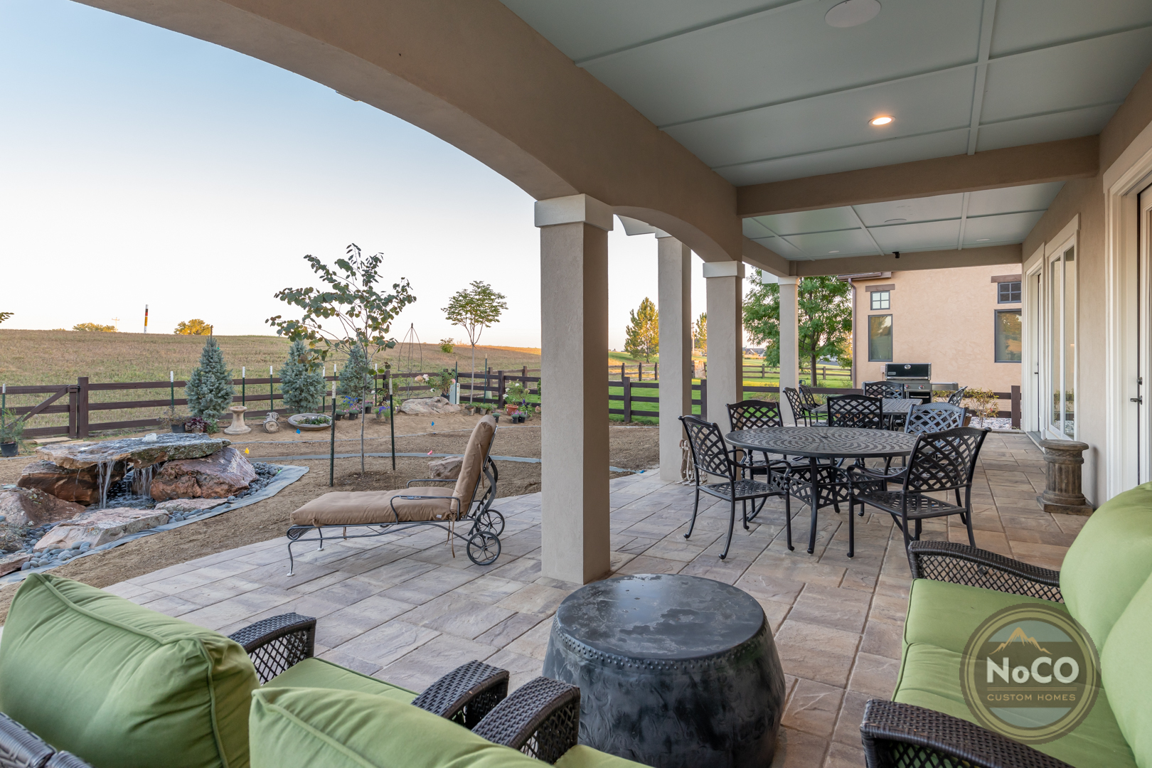colorado custom home backyard patio