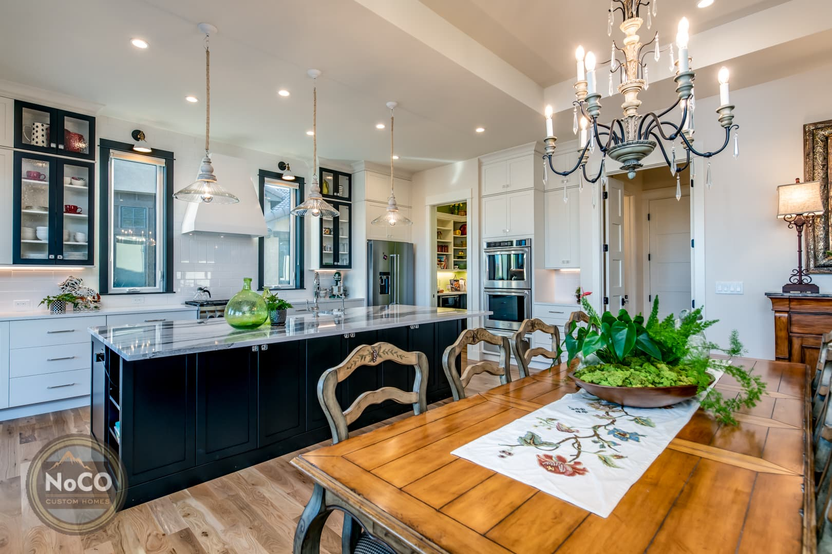 colorado custom home kitchen dining room