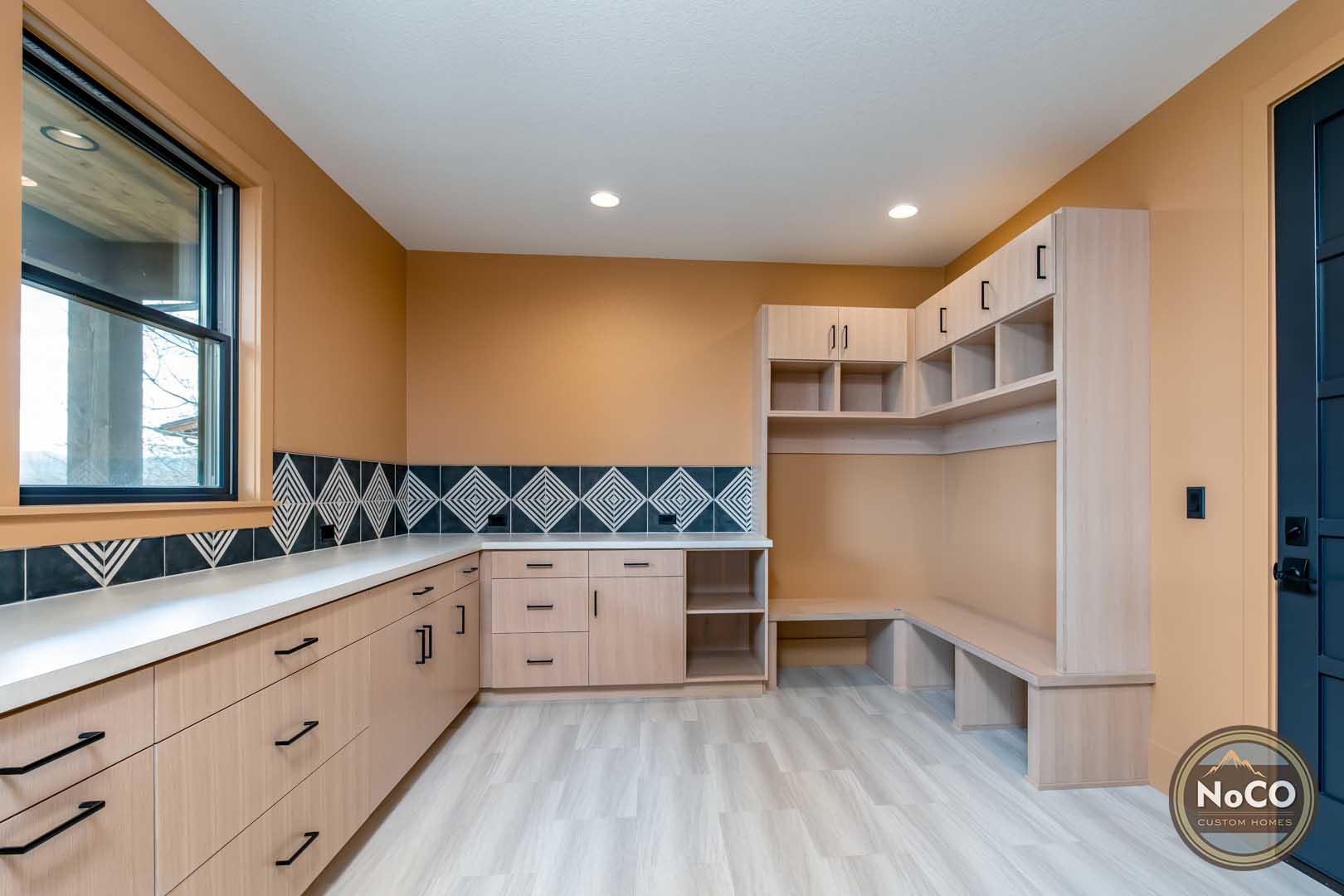 colorado custom home mudroom