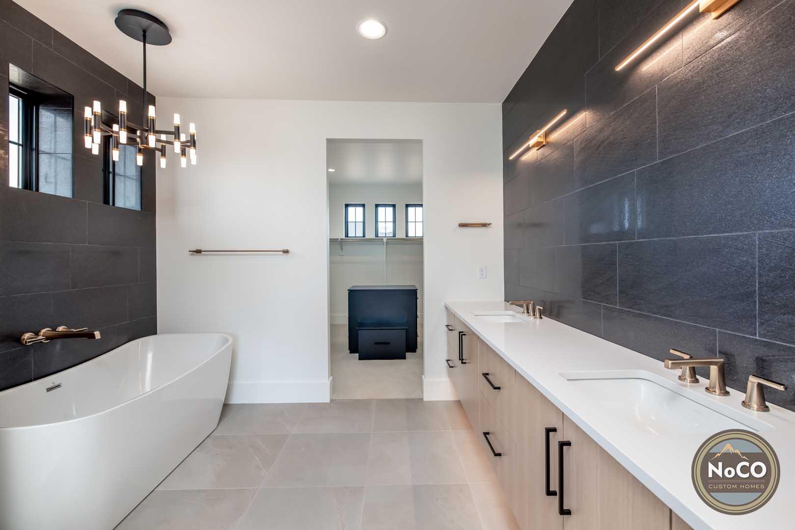 colorado custom home master bathroom bathtub
