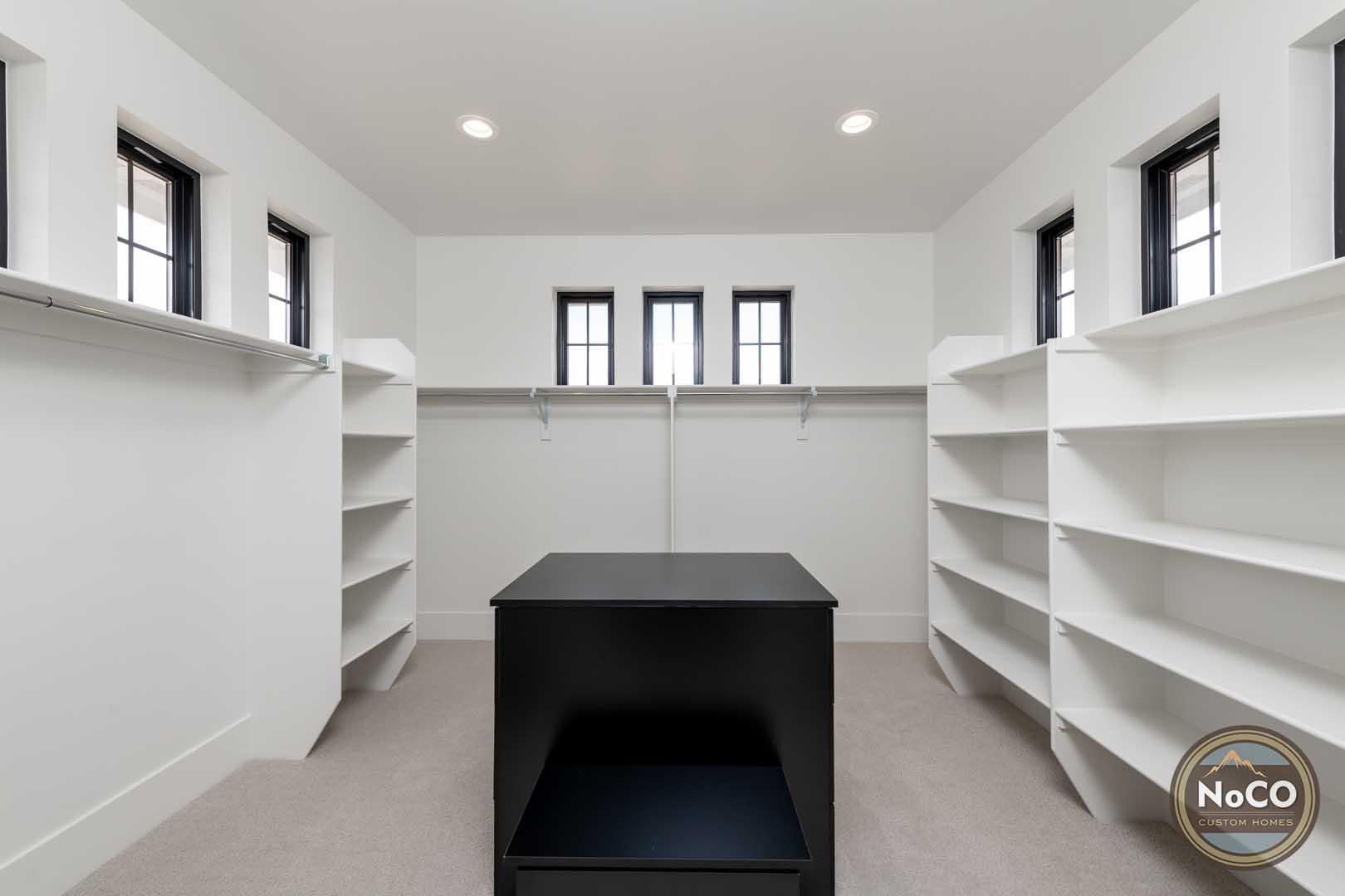colorado custom home walk-in closet