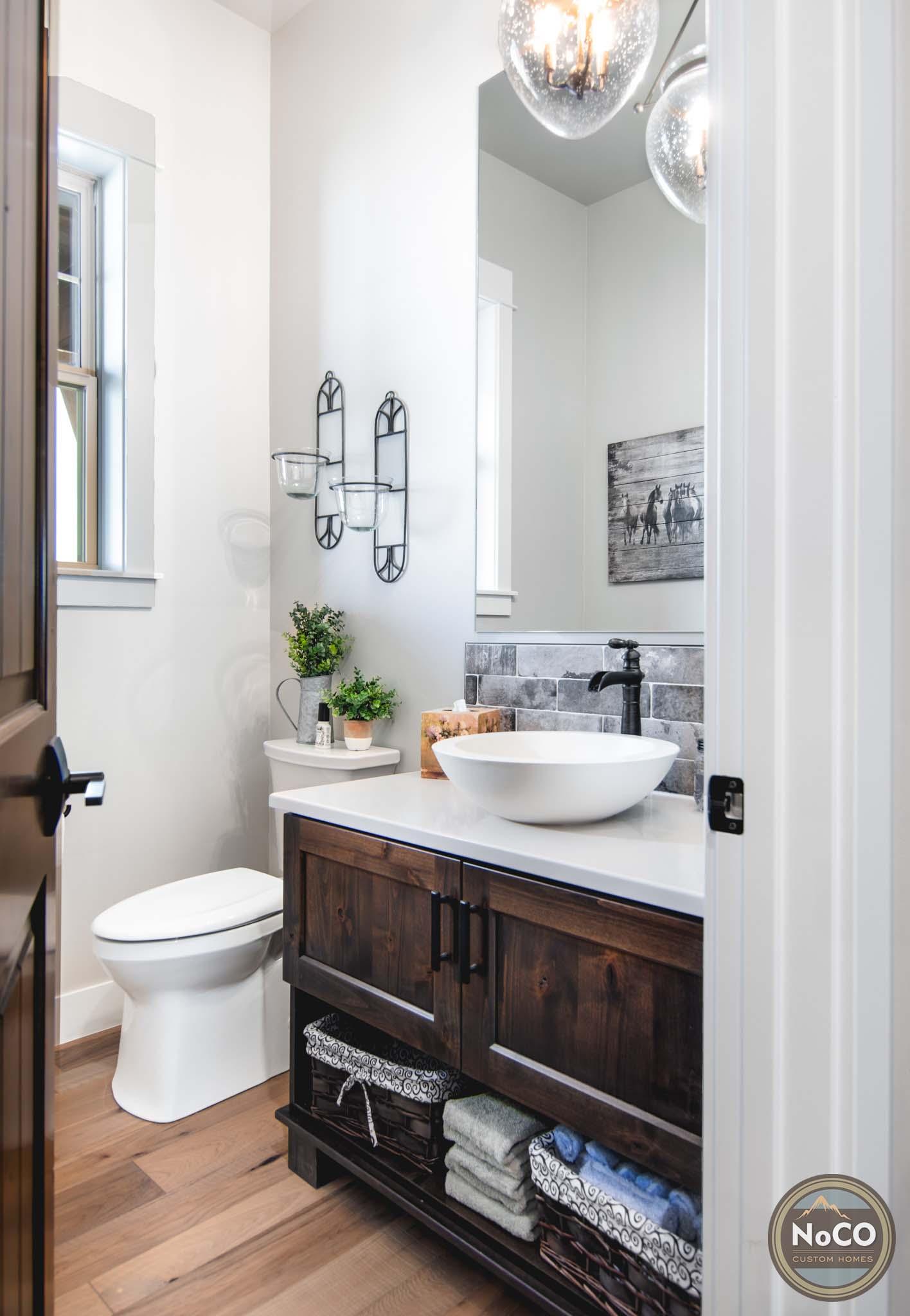 colorado custom home powder bathroom