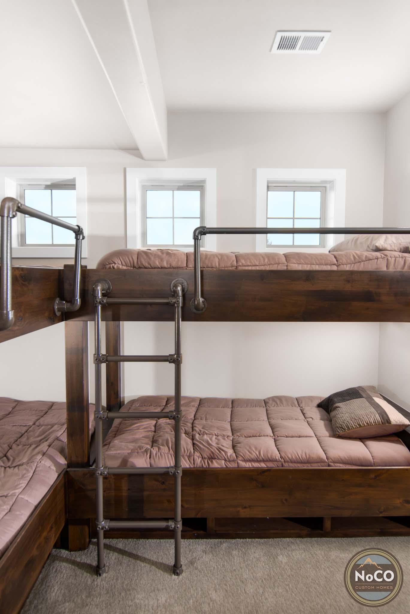 colorado custom home bunk beds
